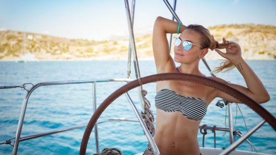 Prima vacanza in barca a vela? Ecco una piccola guida per prepararsi al viaggio