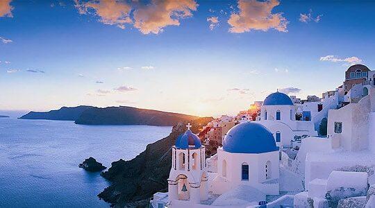 Grecia: il sogno di vacanze perfette viaggia in traghetto